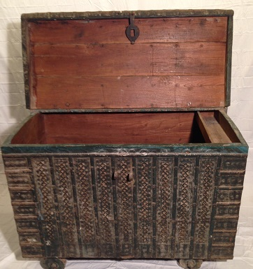 Steamer Trunks (CLICK HERE) all of these trunks are salvaged and most are  from the time during the British Raj when Great Britain occupied India  (1850s ...